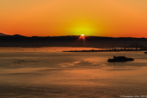 Sunrise in San Francisco | by S Jha (1M+ Views)