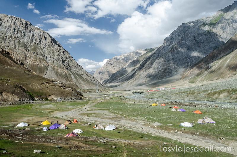 pueblos de Cachemira campamento nómada