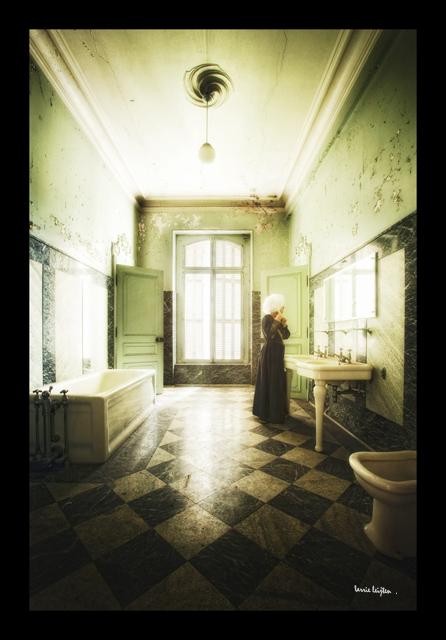 Salle de bain abandonn e salle de bain abandonn e for Creation salle de bain 3d