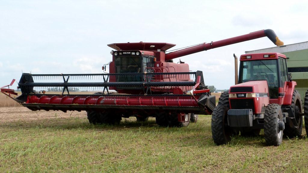 Case Ih 1680 : Case ih combine soybean harvest video youtu be