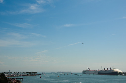 Suttle Endeavor approaching Long Beach | by sysiphusd
