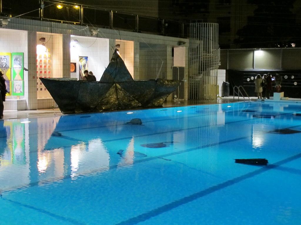 Nuit blanche 2012 piscine de la butte aux cailles paris for Buttes aux cailles piscine