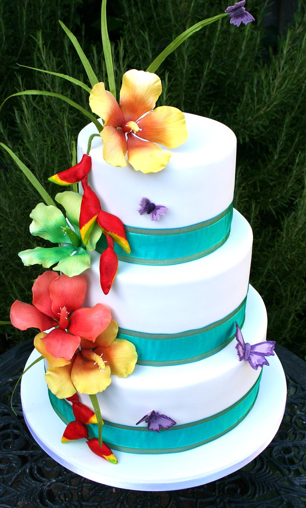 tropical flowers wedding cake wedding cake for a couple wh flickr. Black Bedroom Furniture Sets. Home Design Ideas