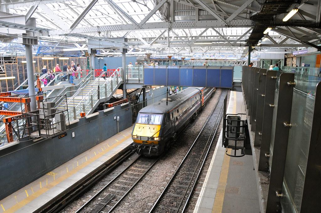 Waverley Station Edinburgh Scotland Edinburgh Waverley Scotland