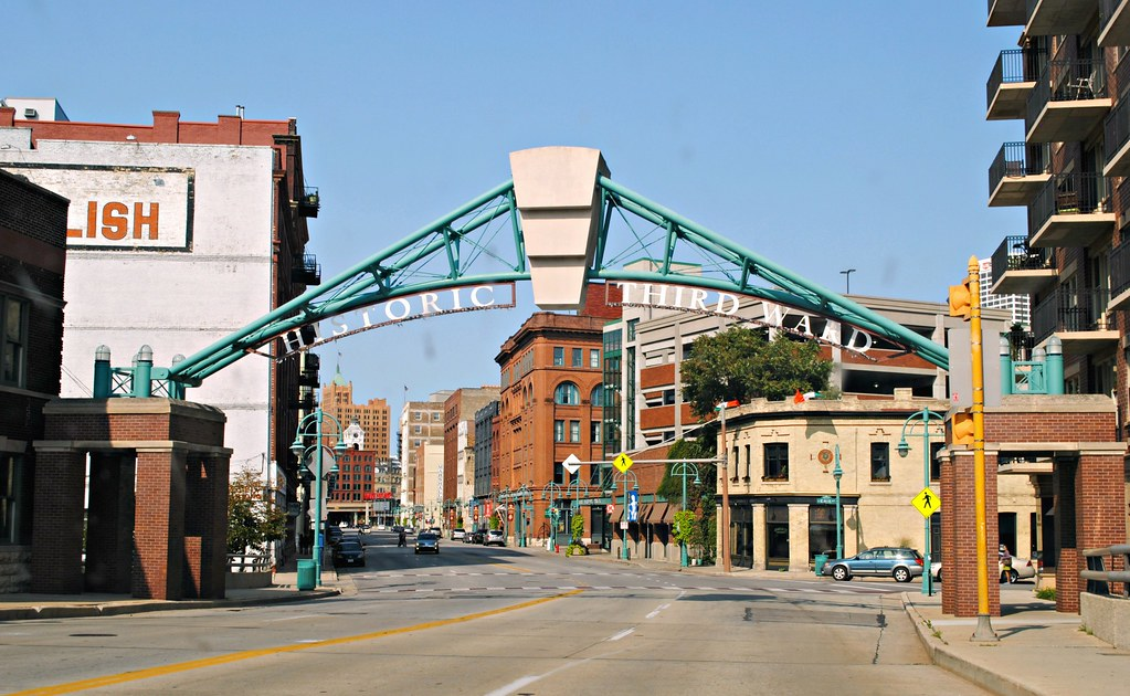 New Restaurants Milwaukee Downtown