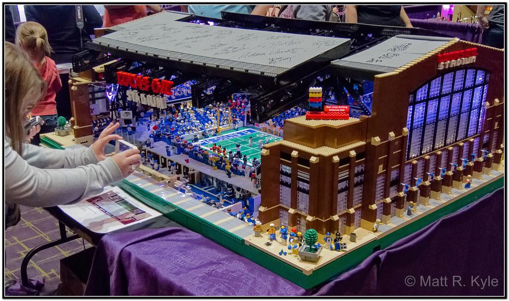 a lego model of lucas oil stadium from brickworld fort. Black Bedroom Furniture Sets. Home Design Ideas