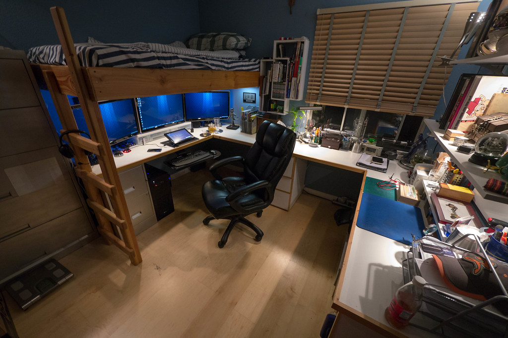Lofted workspace 2012 space was limited in my room so i for Cool dorm room setups