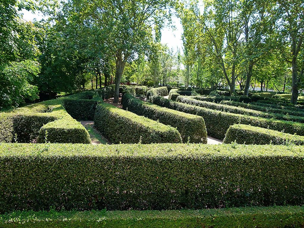 El laberinto del jard n el capricho de la alameda de osuna for Jardines el capricho