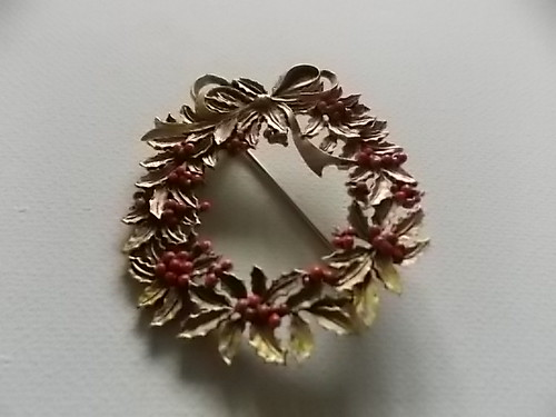 Divine Christmas Wreath Vintage Brooch | by Bracelets To Buckles