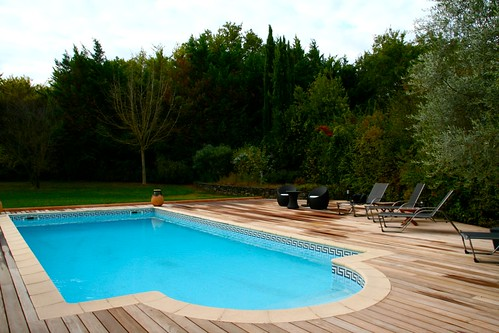 terrasse deck piscine bois exotique ip aix en provence. Black Bedroom Furniture Sets. Home Design Ideas