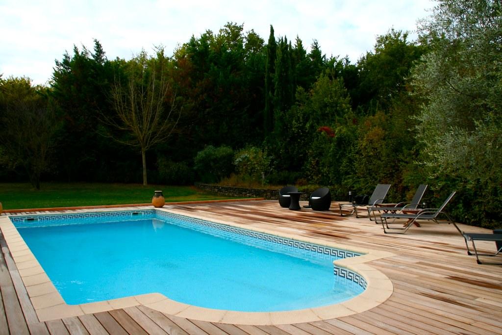 terrasse deck piscine bois exotique ip aix en provence flickr. Black Bedroom Furniture Sets. Home Design Ideas