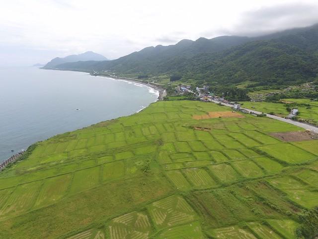 噶瑪蘭族新社部落從山到海完整的里山地景。圖片來源:花蓮區農業改良場提供