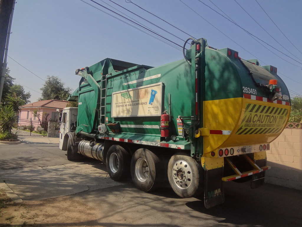 Waste Management Mack Le Wittke Curotto Can 2