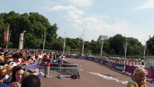 The men's marathon Day London 2012 Olympic- Buckingham Palace | by V - UK (Thanks for 3,100,559+ views)
