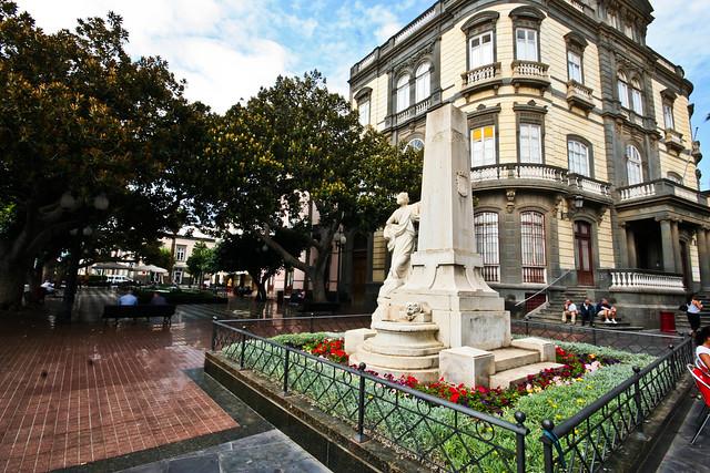Monumento a don ambrosio hurtado de mendoza en las palmas - Capital de las palmas ...