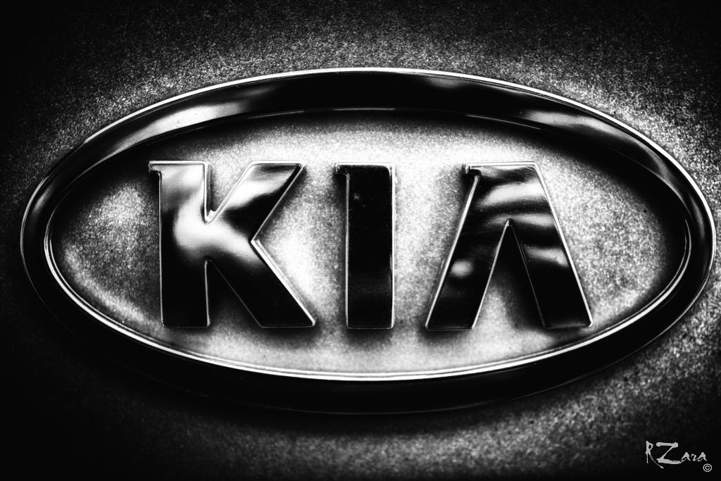 Kia Logo 1 Russ Zara Flickr