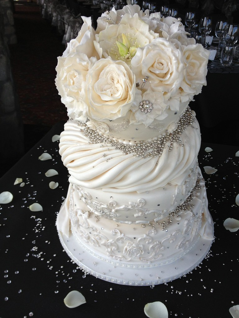 Topsy turvy wedding cake. | Had the pleasure of making a fou… | Flickr