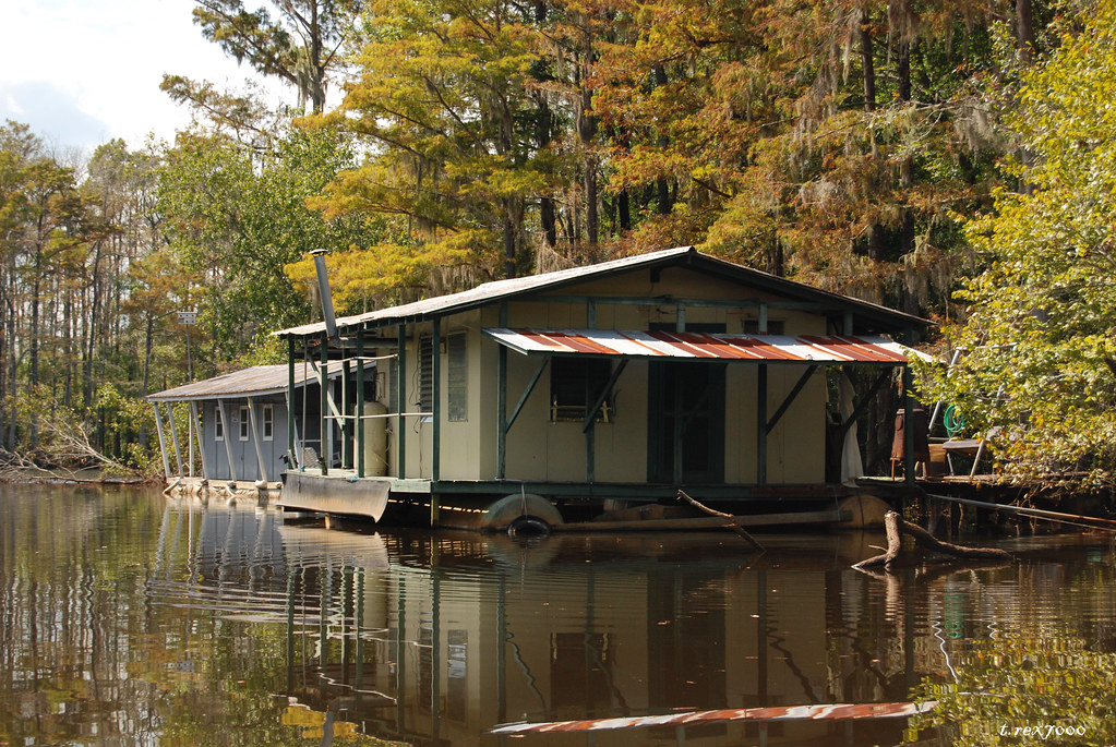 Pontoon fishing cabins dead lake mobile tensaw delta for Fish lake cabins