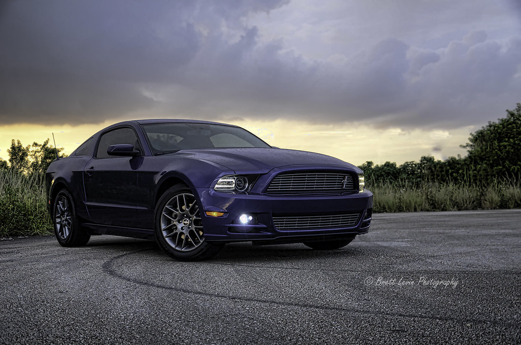 2013 ford mustang 2013 ford mustang v6 shoot i had it end flickr. Black Bedroom Furniture Sets. Home Design Ideas