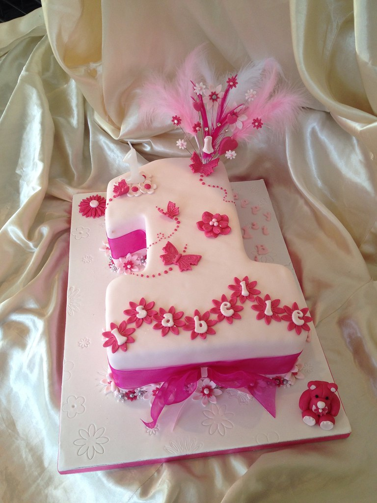 Baby Girls 1st Birthday Cake Karen Kavanagh Flickr