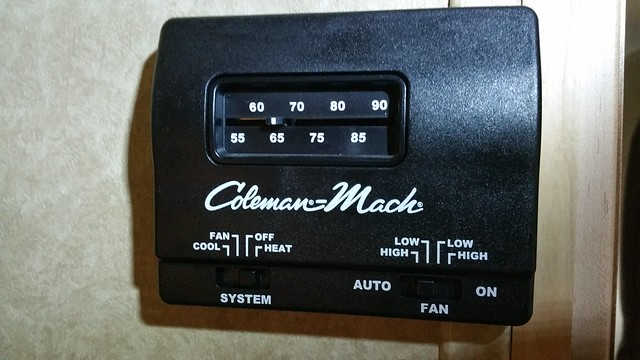 Coleman Mach analog thermostat