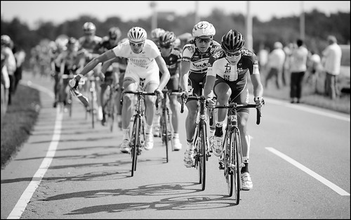 Bjorn Selander leading the peloton after the feedzone | by kristof ramon