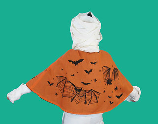 Handprinted Halloween Cape | by baking with medusa