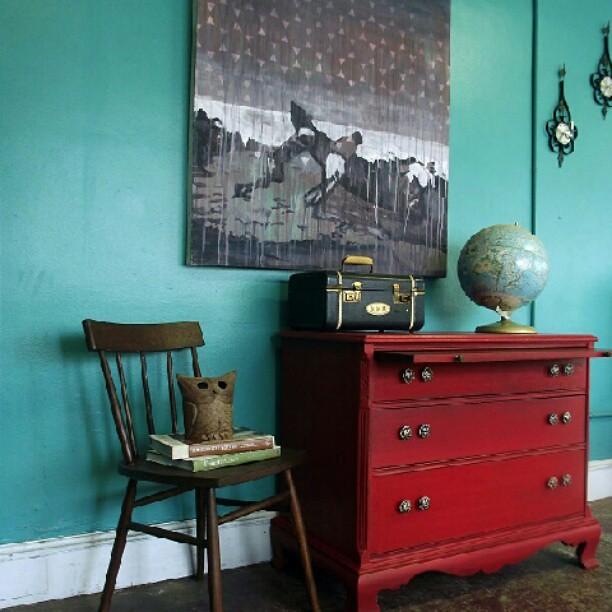 Decoraci n vintage en turquesa y rojo kimobel muebles - Decoracion muebles vintage ...