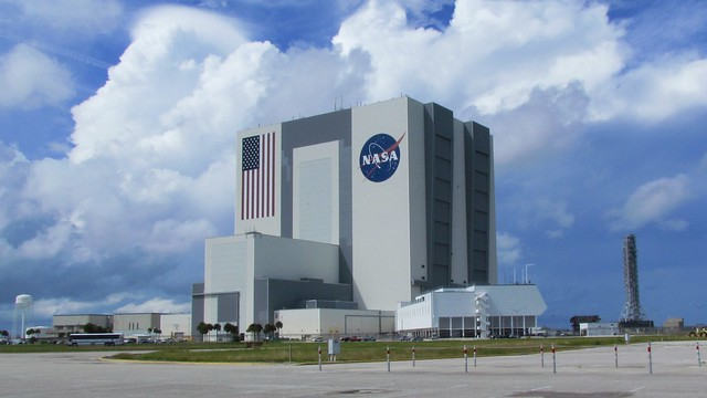 NASA Assembly Building Rain Clouds - Pics about space