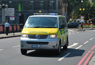 Amvale Ambulance Service / VW Transporter / Organ Delivery Vehicle / FV08 JVP | by Chris' 999 Pics