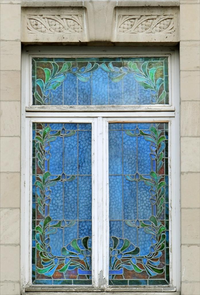 Maison les pins de style art nouveau nancy fen tre for Art nouveau fenetre