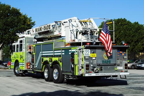 Miami Dade Fire Rescue Ladder 22 Pierce Fire Truck Flickr