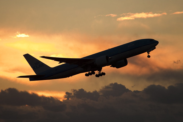 PH-BQC KLM  B777-200  & sunset