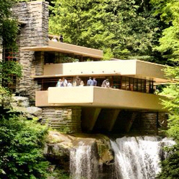 Waterfall House Home Mansion Unique Riverinlivingroo