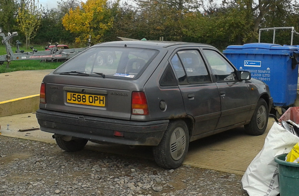 1991 Vauxhall Astra Mk2 1.4 LX | With its tax due to ...