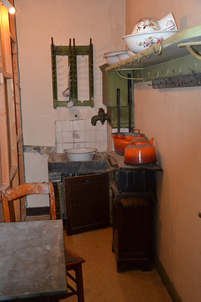 expressionnisme la maison du peintre belge james. Black Bedroom Furniture Sets. Home Design Ideas