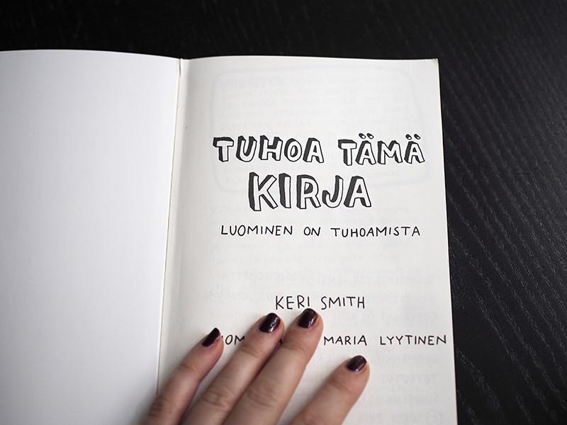 Tuhoa Tämä Kirja