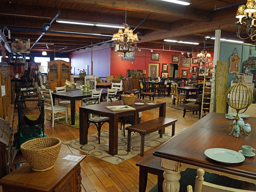 Classic Home Antique Portland Furniture Store 1805 Se Flickr