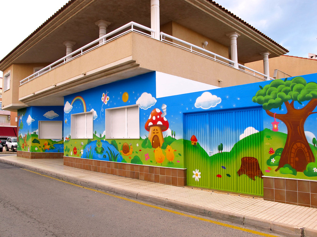 Escuela infantil la pradera pida presupuesto y compare - Escuela decoracion de interiores ...