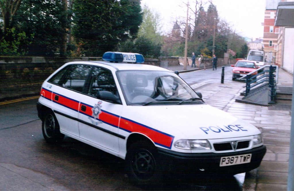 Old Police Cars >> Humberside Police Vauxhall Astra Panda Car   One of the old …   Flickr