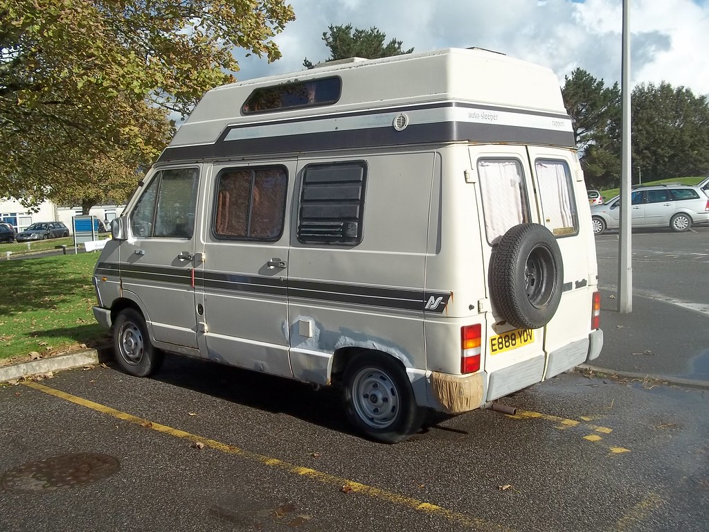 renault trafic t1000 camper a bit tatty but it 39 s obviously flickr. Black Bedroom Furniture Sets. Home Design Ideas
