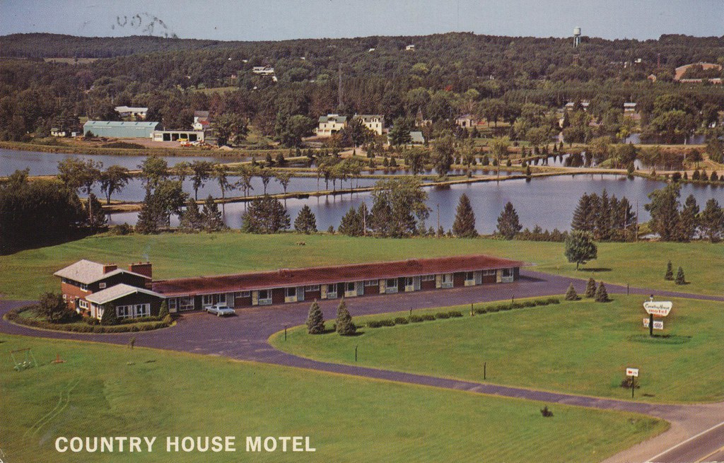 Country House Motel - Spooner, Wisconsin