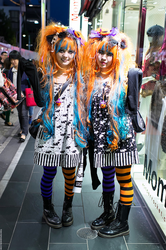 Halloween X Harajuku  Two Fun Girls In Matching Scary-X -6304