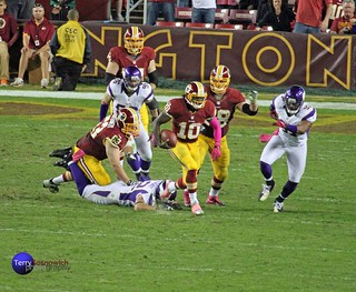 Redskins QB Robert Griffin III runs 76 yards for the touchdown!!! (Redskins 38, Vikings 26) | by Terry Sosnowich Photography (2.6 million views)