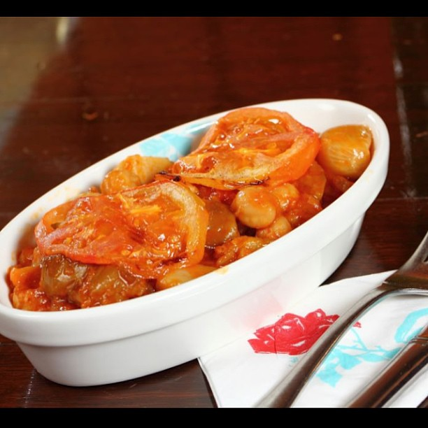 """Mousaka batenjen """"eggplant cooked with chickpeas and tomato sauce"""" ..."""