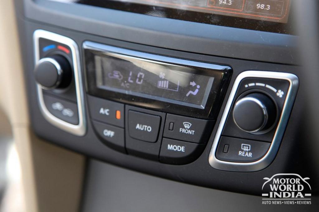 Maruti-Suzuki-Ciaz-Interior-Dashboard (14)
