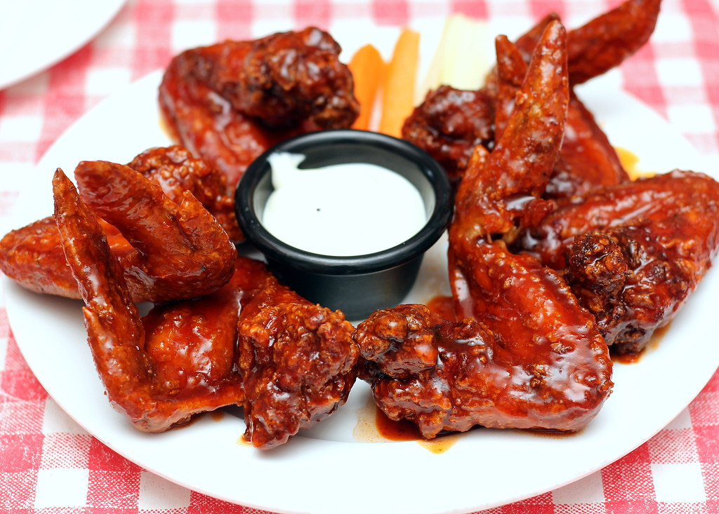 jerry-barbecue-and-grill-level-1-smokin-buffalo-wings