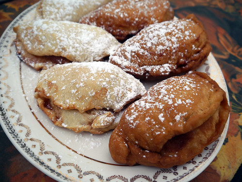 Fried (and Baked) 'Fiona Apple' Apple Pies (0016) | by smiteme