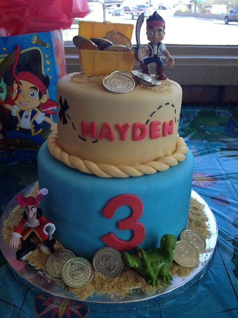 jake and the neverland pirates tiered cake - photo #20