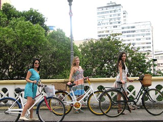 Cycle Chic - Centro Vix 35 | by Dora Doríssima